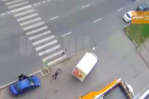 Photo of В Уфе девушка попала под колеса грузовика