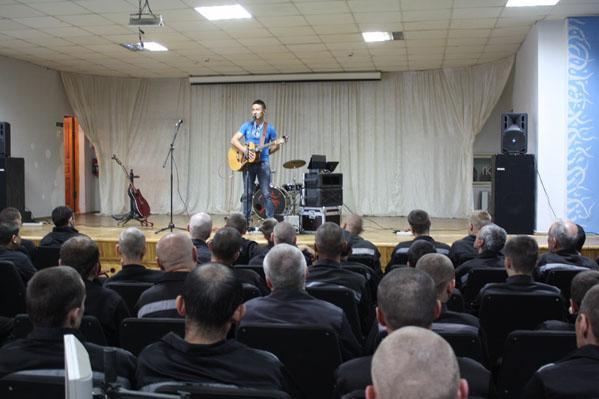 Photo of Известные артисты Башкирии выступают в колониях перед осужденными