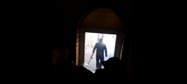 Photo of В дом жительницы Башкирии вломились полицейские с топором и ломом