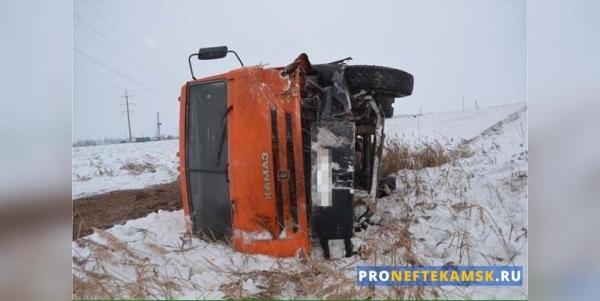 Photo of В Янаульском районе «Рено» и КАМАЗ попали в аварию: погибла женщина