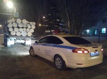 Photo of В Стерлитамаке в ходе рейда сотрудники ГИБДД раскрыли угон авто и кражу леса
