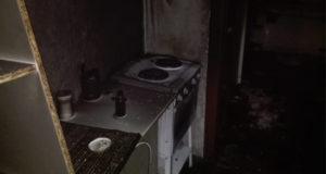 В Стерлитамаке во время пожара в многоквартирном доме эвакуировали 10 человек, есть пострадавший