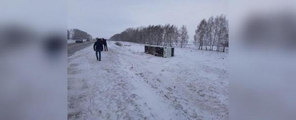 Photo of В Башкирии НефАЗ с пассажирами съехал в кювет и перевернулся