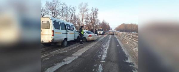 Photo of В Башкирии произошла авария с пассажирским автобусом: В салоне находилось 14 человек