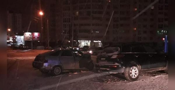 Photo of В Уфе столкнулись «Инфинити» и «Двенашка»: есть погибший
