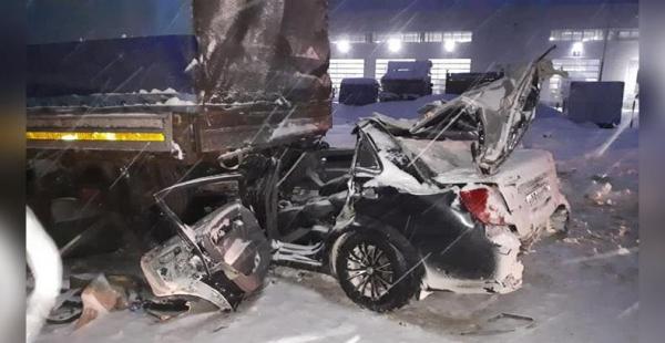 Photo of Под Уфой легковушка протаранила МАЗ – погибли трое, среди них ребенок