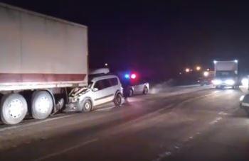 Photo of В Стерлитамакском районе грузовик протащил легковушку 2 км