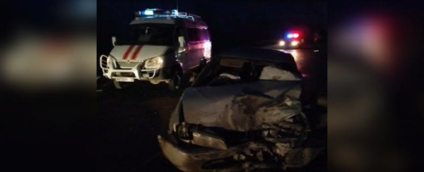 Photo of В Башкирии спасателям пришлось вызволять пассажиров из покореженных автомобилей после смертельной аварии на трассе