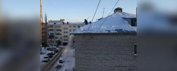 Photo of В Уфе на школьника упала глыба снега – Возбуждено уголовное дело