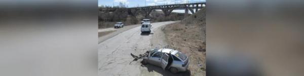 Photo of В Башкирии автомобиль въехал в автобус, высаживающий пассажиров: есть погибший