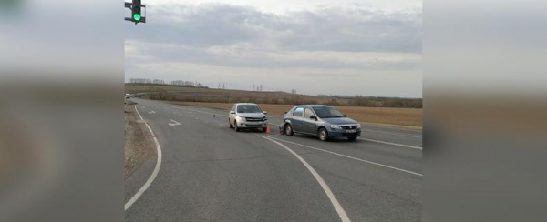 Photo of В Башкирии на светофоре столкнулись два автомобиля