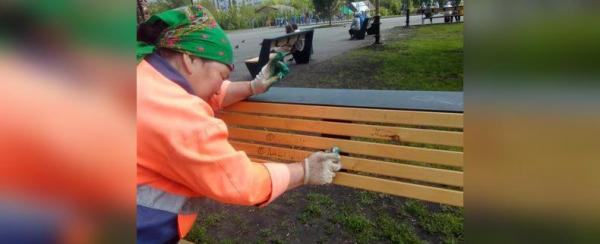 Photo of В Уфе вандалы испортили скамейки в новом сквере