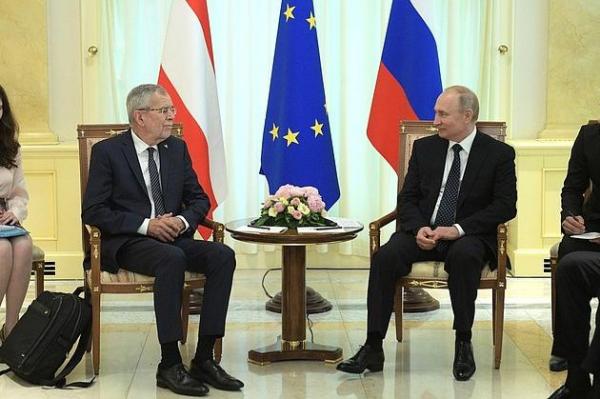 Photo of Владимир Путин провел переговоры с Федеральным президентом Австрии