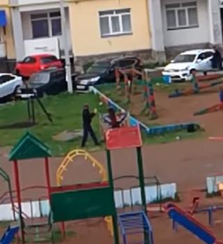 Житель Стерлитамака устроил погром на детской площадке0