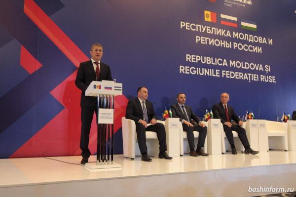 Путин заявил, что Россия поддержит Додона в борьбе с узурпаторами власти в Молдавии0