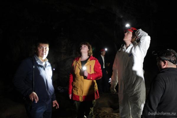 Радий Хабиров побывал в закрытых залах пещеры Шульган-Таш5