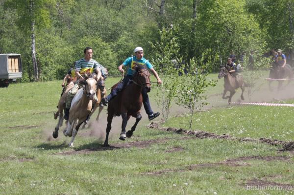 Радий Хабиров поздравил жителей Бурзянского района с праздником сабантуя7