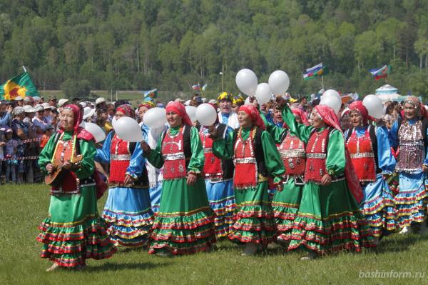 Радий Хабиров поздравил жителей Бурзянского района с праздником сабантуя4