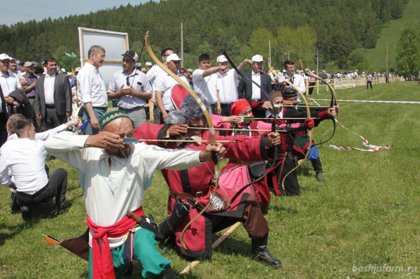 Радий Хабиров поздравил жителей Бурзянского района с праздником сабантуя9