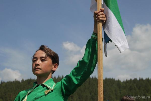 Радий Хабиров поздравил жителей Бурзянского района с праздником сабантуя3