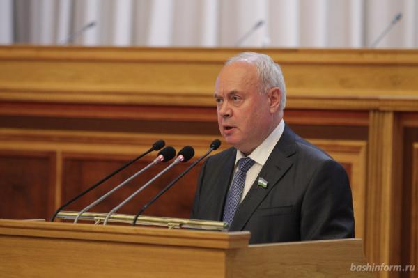 Радий Хабиров выдвинут «Единой Россией» на пост главы Башкирии4