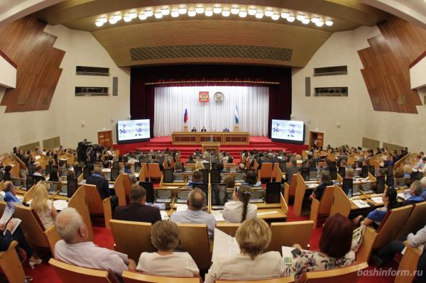 Радий Хабиров выдвинут «Единой Россией» на пост главы Башкирии3