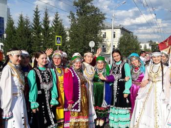 Стерлитамак принял участие в празднике национального костюма в Уфе0