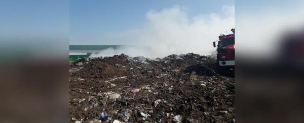 В Башкирии горит 800 квадратных метров полигона0