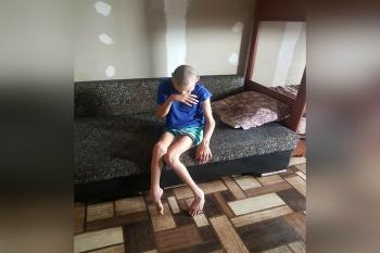 Неравнодушные люди помогают отцу, воспитывающему в одиночку тяжело больного сына 0
