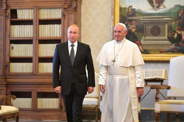 Путин рассказал о диалоге с Папой Римским0