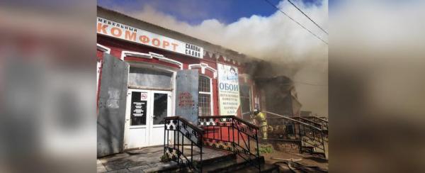 Photo of В Башкирии загорелся строительный магазин: Есть пострадавший