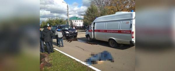 Photo of В Башкирии внедорожник сбил пожилого мужчину и 40 метров прокатил его на капоте