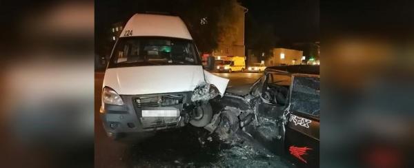 Photo of В Уфе четыре человека пострадали в столкновении автобуса и легковушки