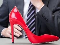 Photo of Научный журнал отозвал скандальную статью о привлекательности женщин на каблуках