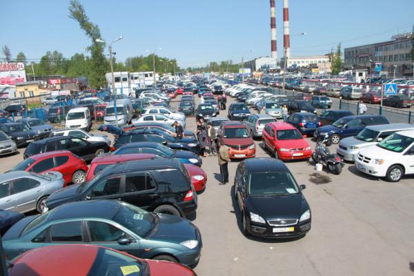 Российский рынок подержанных авто подешевел0