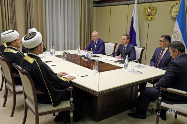 В Уфе на 8 съезде Духовного управления мусульман Башкортостана избран новый председатель11