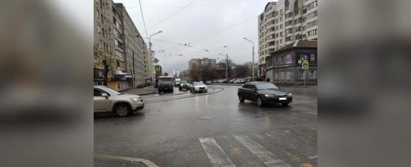 Photo of Видео: В центре Уфы на пешеходном переходе сбили двух школьниц