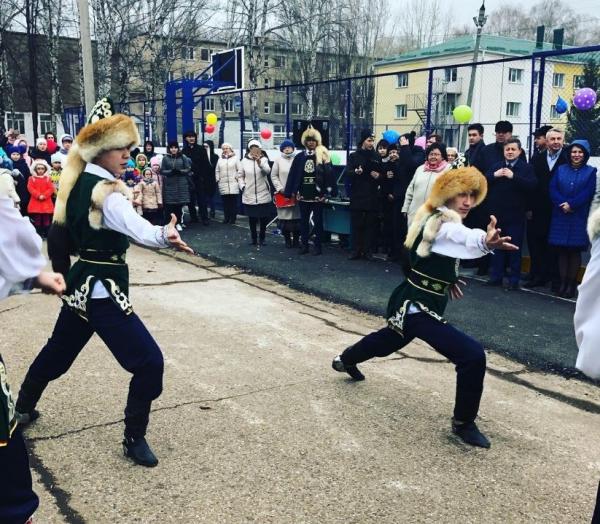 В Стерлитамаке открыли новую многофункциональную спортивную площадку1