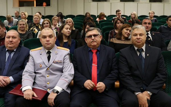 В Стерлитамаке прошли торжественные мероприятия, посвященные празднованию Дня сотрудника органов внутренних дел3