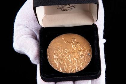Photo of Медаль чернокожего атлета с нацистской Олимпиады выставлена на аукцион