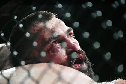 Photo of Бывший чемпион UFC назвал Федора Емельяненко ненастоящим