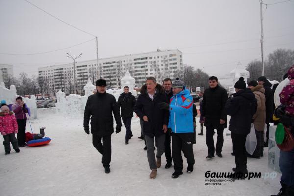 Photo of В Уфе Радий Хабиров побывал на площадках праздничных семейных мероприятий