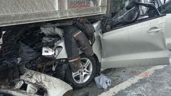 Photo of В ДТП с грузовиком на трассе Уфа-Оренбург погибла супружеская пара, их дочь госпитализирована