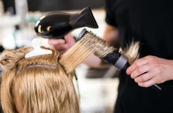 Photo of В Башкирии возобновляют работу салоны оптики и парикмахерские